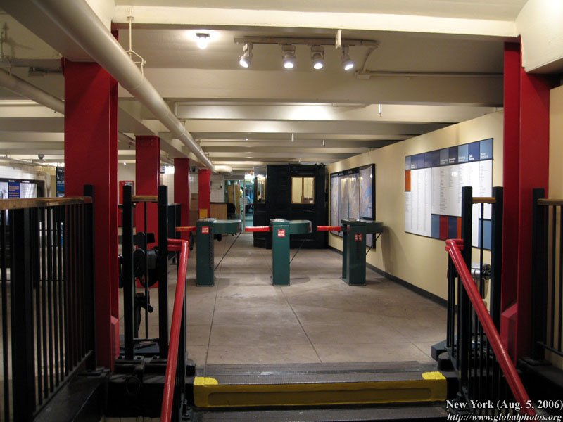 New york transit museum photo gallery for Nyc transit museum hours
