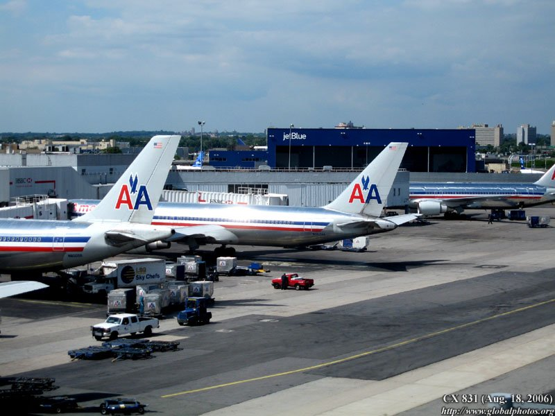American Airlines ramps up competition in New York