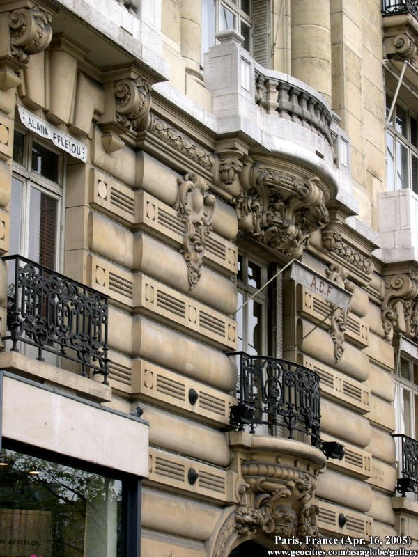 Stripclubs und erotische Theater in Paris Paris mal anders
