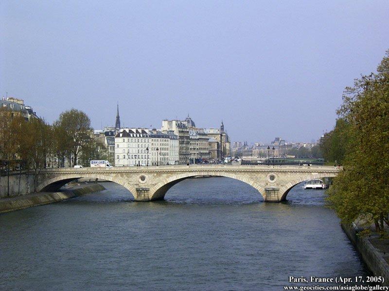 PARIS1330.jpg